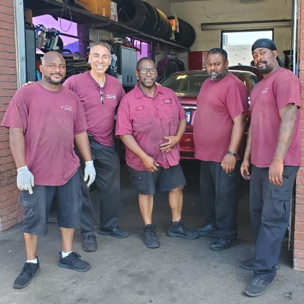 local-auto-service-center-team